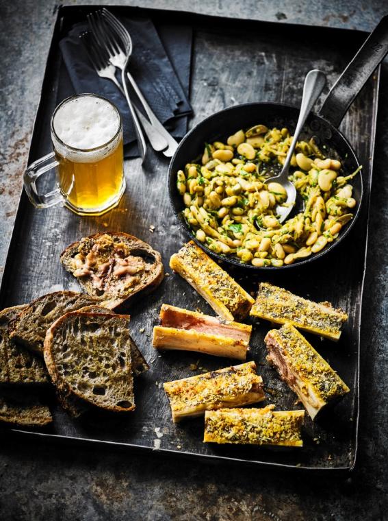 Toast mit Curry-Knochenmark und Limabohnen
