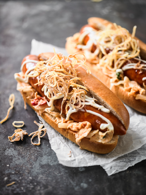 ULTIMATE HOT DOG WITH CRISPY SHOE STRING POTATOES